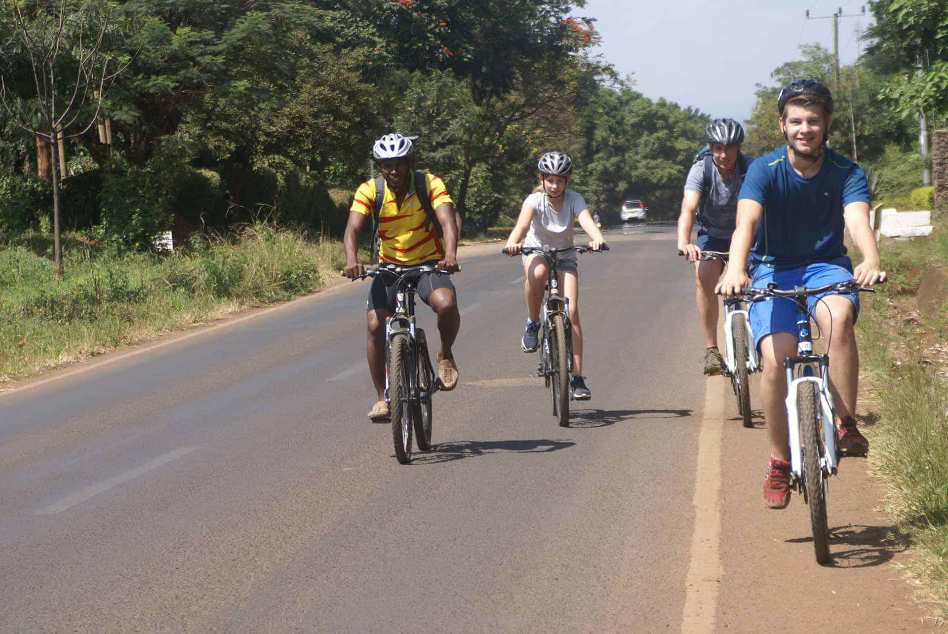 Fietsen rondom Arusha in Tanzania